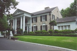 Right side view of Graceland Mansion.