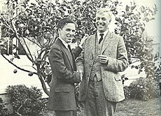 Chaplin together with the American socialist Max Eastman in Hollywood 1919.