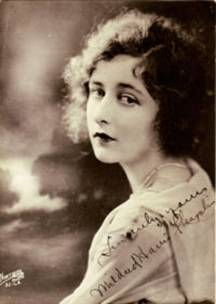 Mildred Harris ca 1918 - 1920.
